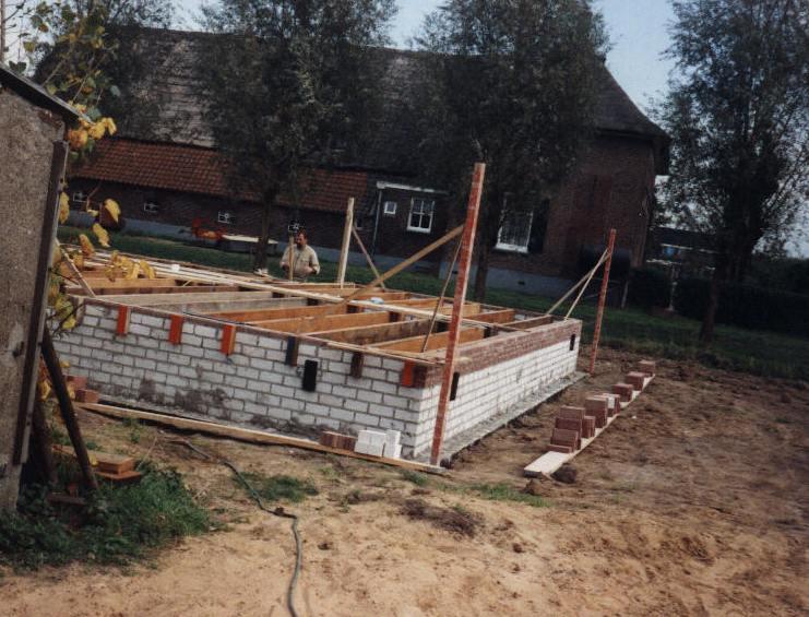 Houten huis de bouw van een finnlogs blokhut logwoning - Opruimen houten balk ...