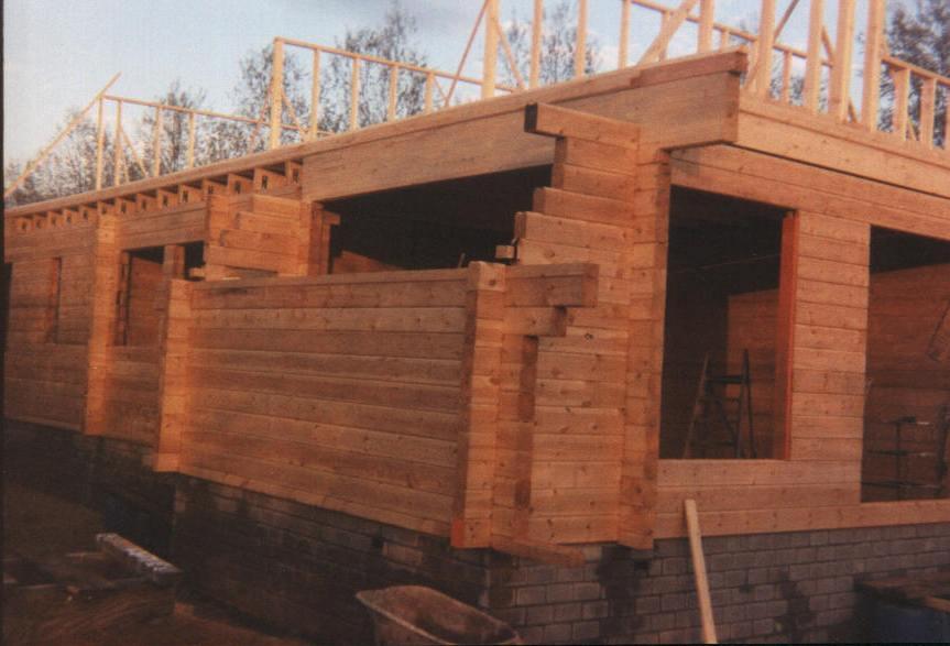 Houten Huis Bouwpakket : Houten huis de bouw van een finnlogs blokhut logwoning