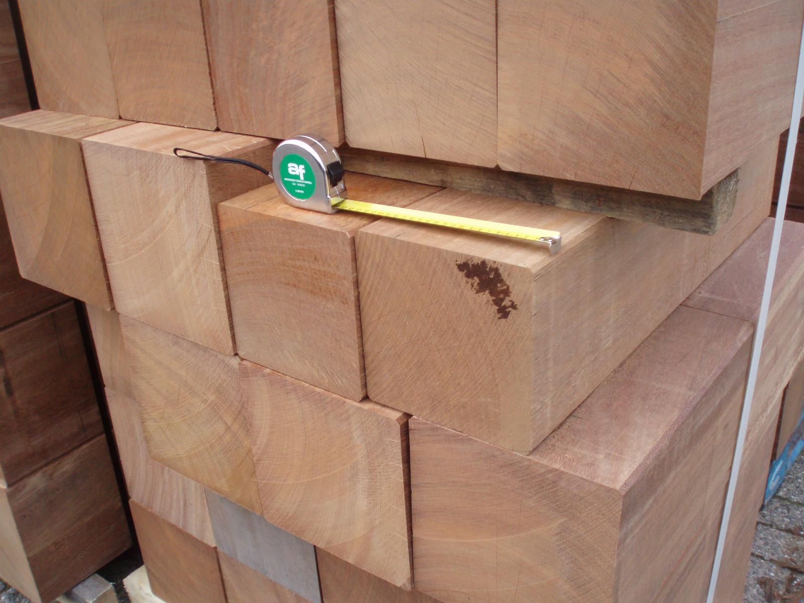 Sokkels van hout - Balk decoratie ...